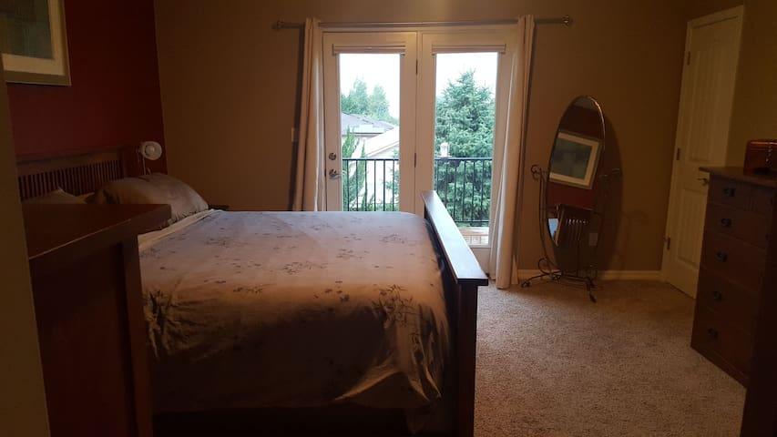 Redlands Hideaway Luxury Master Suite