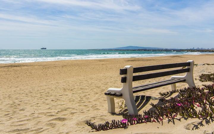 Cozy Beach Hideout