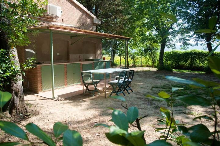 Studio à Terricciola, avec piscine partagée, jardin clos et WiFi - à 38 km de la plage