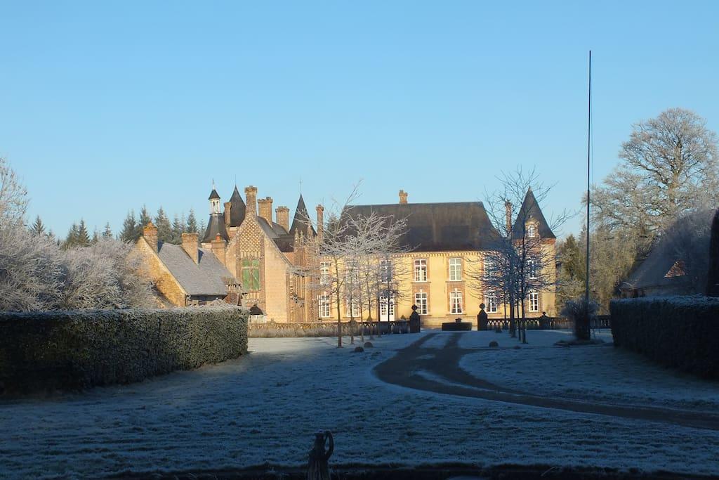 La Guimandière est un ancien relais de chasse à courre, datant du 17e siècle pour sa partie la plus ancienne