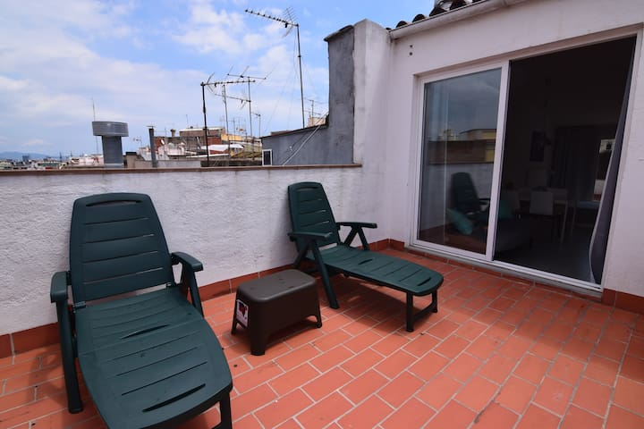 Beautiful apartment, dual terrace, airconditioning