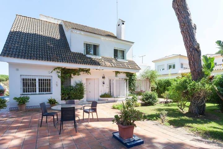 Great villa with pool in Roche, Conil, Cádiz
