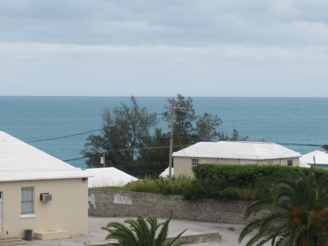 Conveniently Located Oceanview Estate Bedroom 2