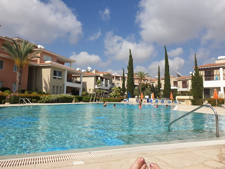 Cozy Anthea 2 Bedroom Apartment with pool