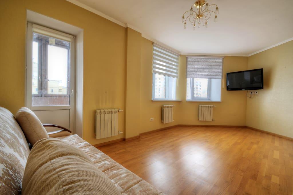 В первой спальне подключено кабельное телевидение