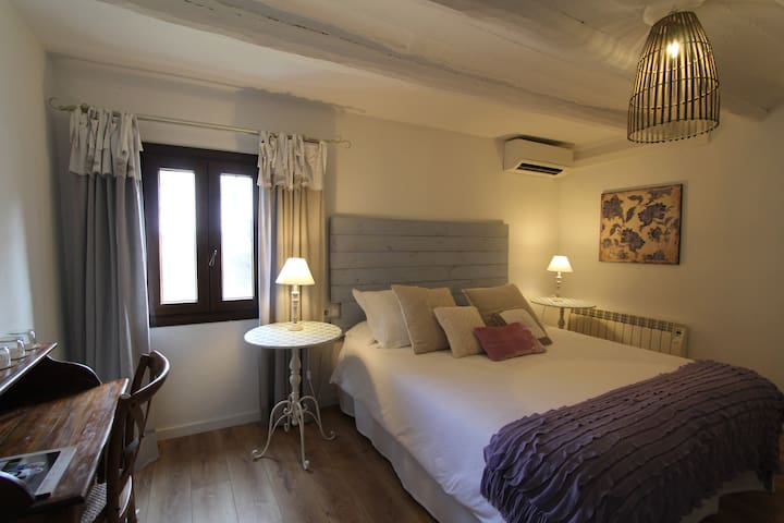 B&B Wine and Cooking - Titan Room - El Pla del Penedès - Bed & Breakfast