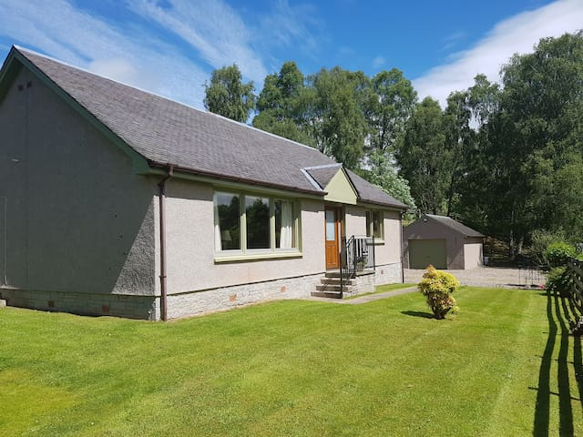 Comfortable, well presented house in Tummel Bridge