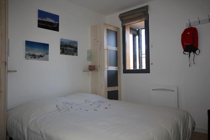 Chambre avec lit double en 160