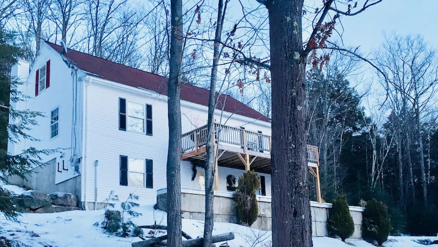 Private Mt Sunapee country oasis with sauna