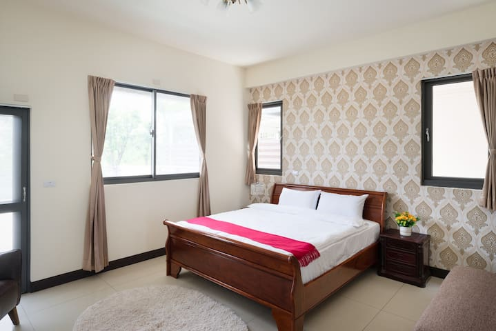 2double bed suite with bath room 56521