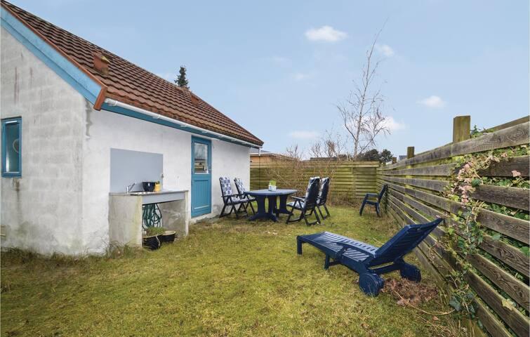 Holiday cottage with 1 bedroom on 42m² in Karrebæksminde