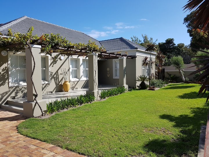 Eastcliff Holiday Haven close to Hermanus Central
