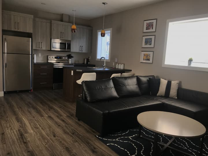 Homely Suite at The Crossings