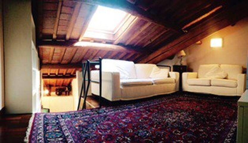 Grazioso appartamento con soppalco