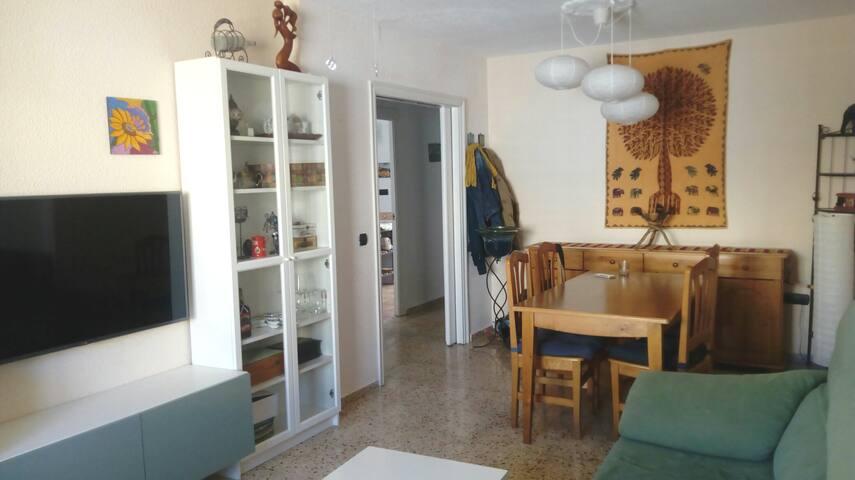Habitación acogedora y luminosa en piso centrico