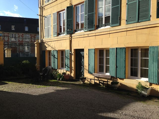 Bedroom in the heart of Lisieux - Lisieux - Ev