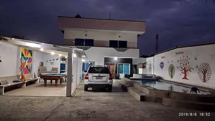 Hospedaje con piscina, billar, wifi,  aparcamiento