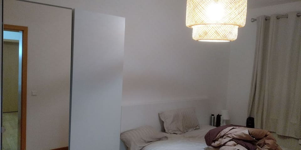 Private Bedroom in a Duplex in City Centre (Gare)