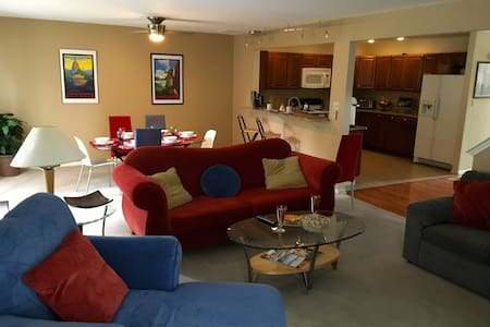 Business /Family Traveler's Depot close to Philly - East Norriton