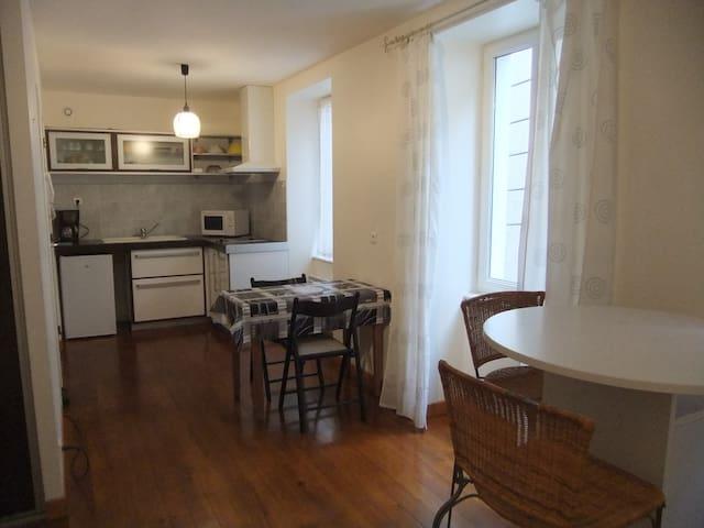 Joli appartement meublé centre ville Millau