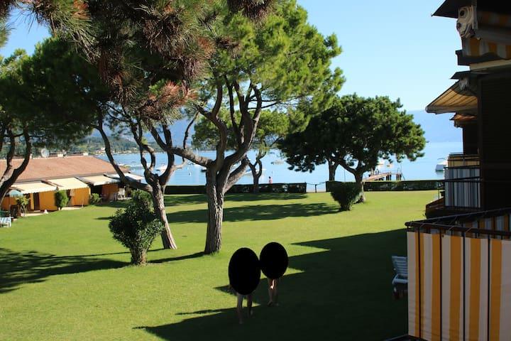 2 Zi. Ferienwohnung mit Balkon, direkt am Gardasee - Pieve Vecchia - Lägenhet