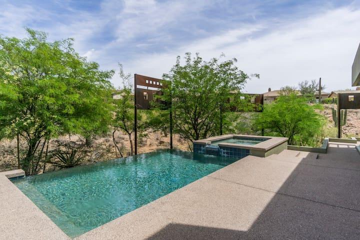 Luxury Hillside Desert Retreat w a Heated Pool