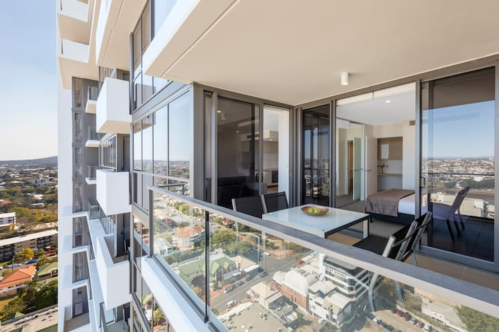 Modern 1 Bedroom Apartment with Private Balcony