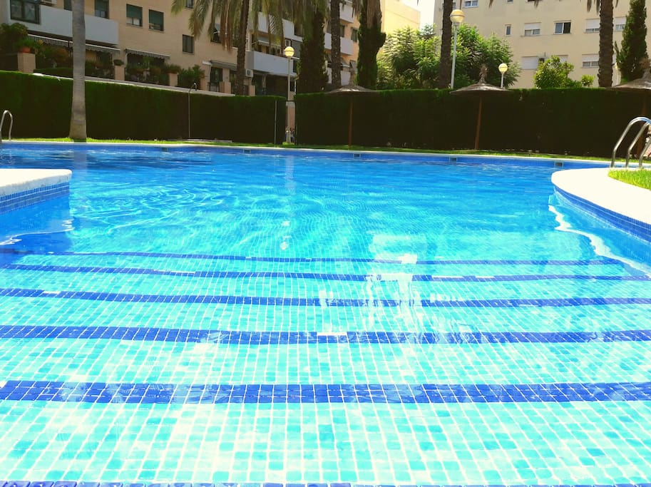 relaxing and refreshing moments in home pool