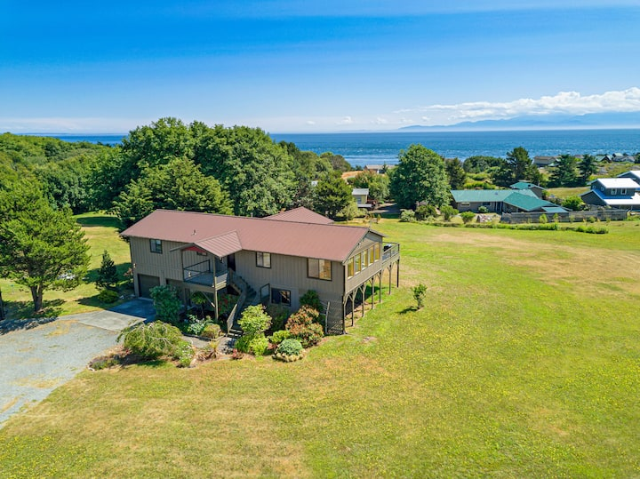 NEWLY LISTED! WATERVIEW! SOUTHEND! (ECH)