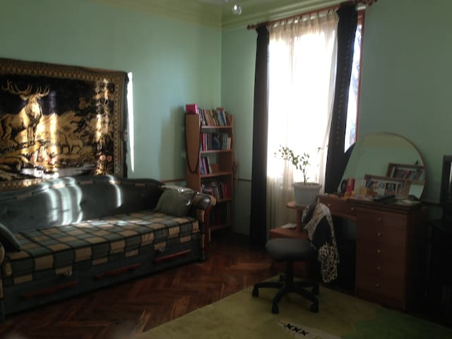 Сдаётся  комната на площади Шевченк