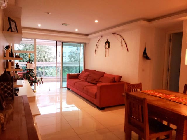 Beautiful apartment  3 rooms, close to the beach