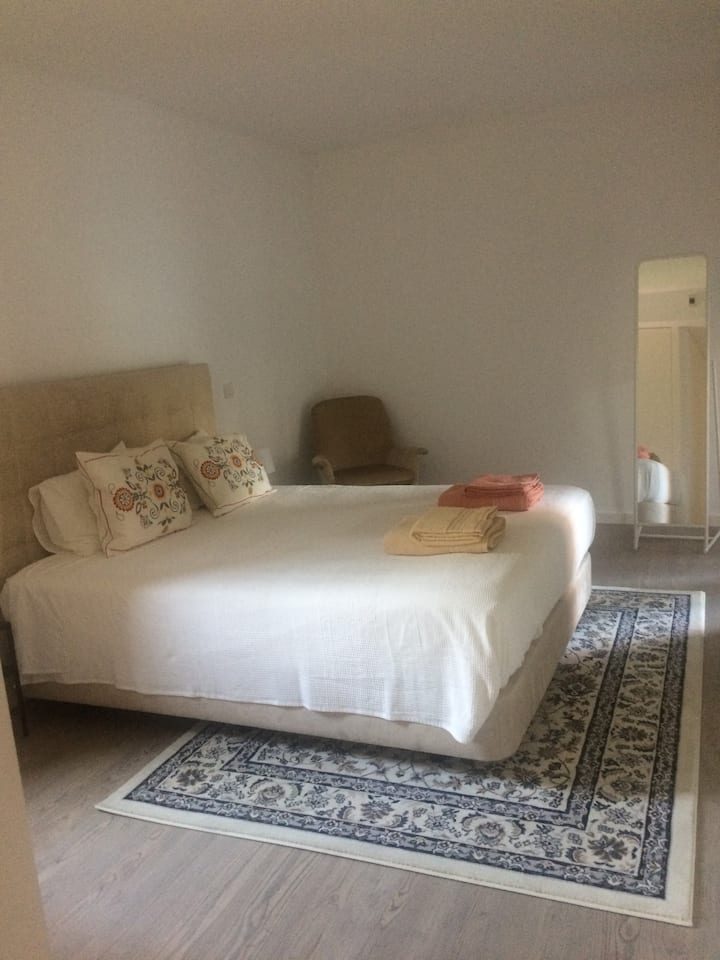 Modern Apartment 15 minutes from Lisbon