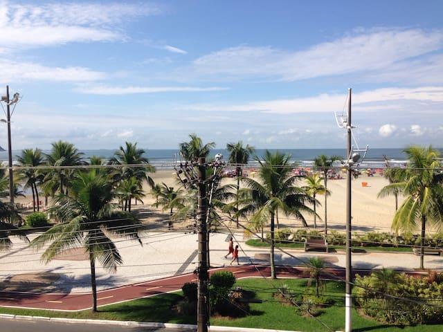 Apartamento de frente para o mar na Guilhermina-PG - Praia Grande - Wohnung