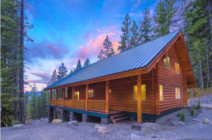 Secluded Log Cabin w/ AWESOME Views_3rd Nt FREE_Hot Tub_Near Suncadia_Gas BBQ
