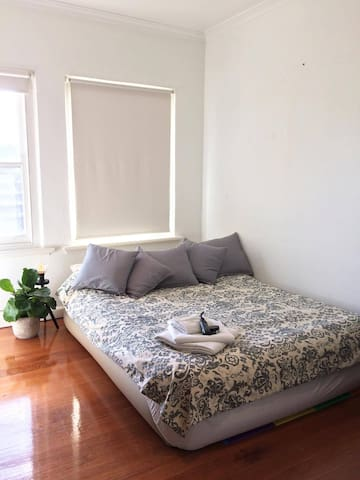 Light-filled room in the heart of St Kilda - Saint Kilda - Apartamento