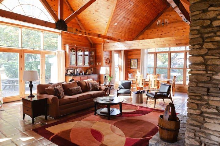 Thoroughbred Horse Farm Cabin-located on Lamb Lake