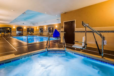 Equipped Suite Near Downtown + Airport | Free Daily Breakfast + Indoor Pool