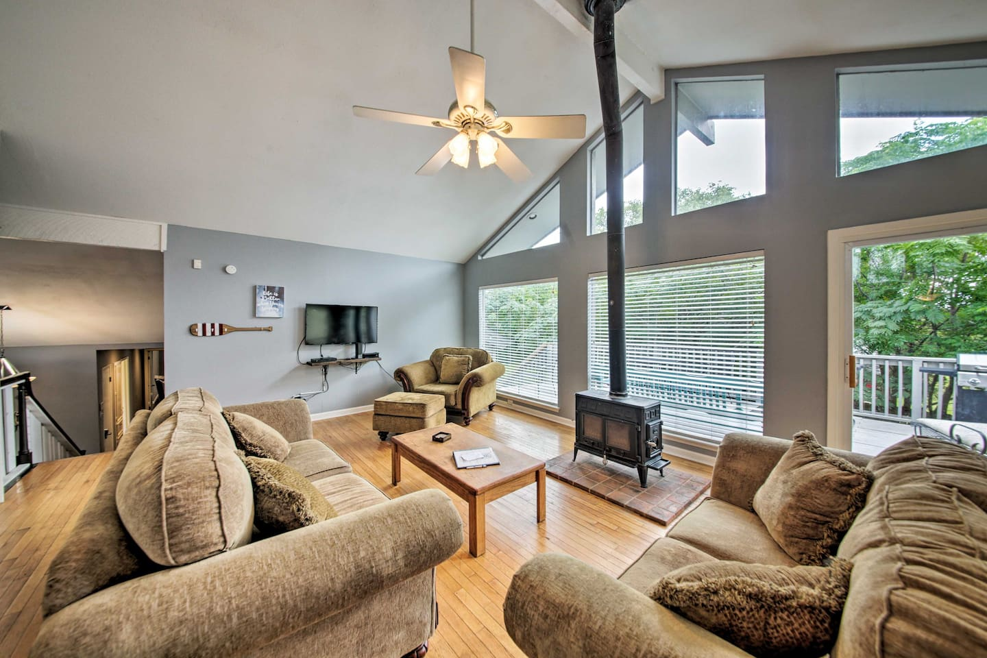 Ideal for a family of 8, this home offers Smart TVs, a fireplace, and more!