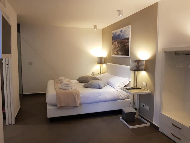 Appartamento con terrazza su piazza Cairoli
