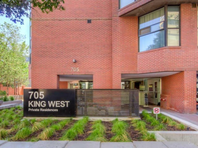 Downtown Toronto Apartment Best location