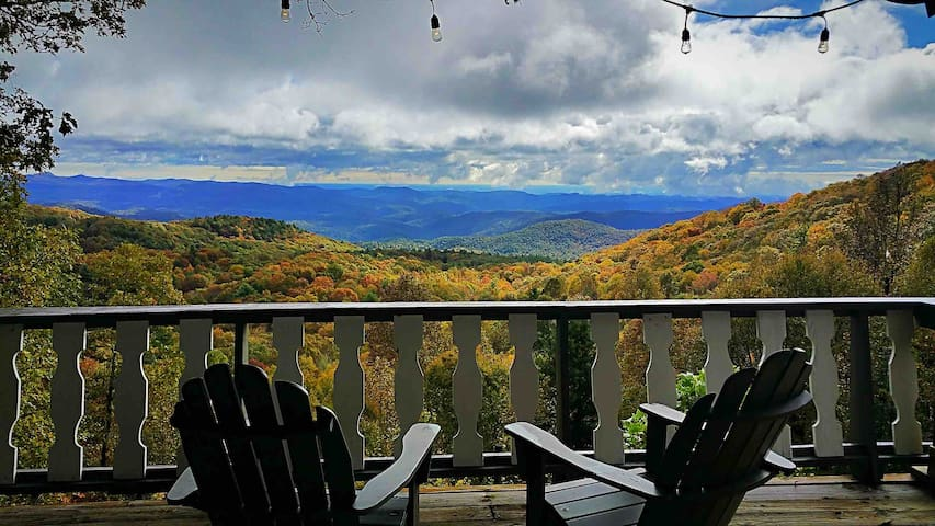 Highlands Mountaintop Cottage Get-away