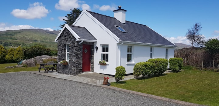 Cosy cottage on Wild Atlantic way by the sea
