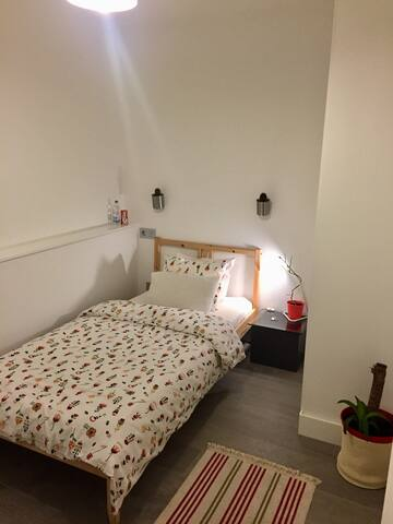Single Room. Gran Via, Fuencarral,Malasaña,Chueca - Madrid - Byt