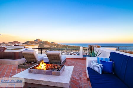 Luxury 2BR Penthouse w/private rooftop patio #6603