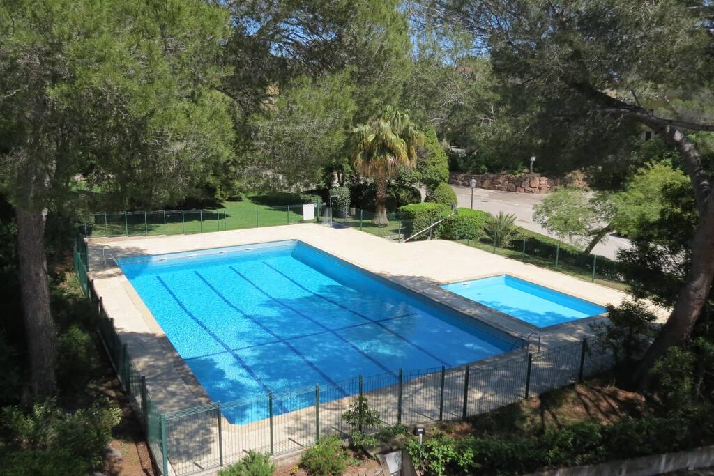 Apt 4 pers st rapha l 300m plage piscines clim for Piscine saint raphael