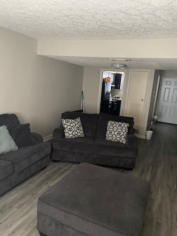 Cozy 2-Bedroom Minutes From Downtown Savannah