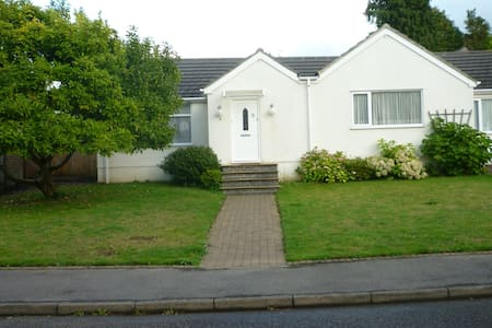 Warm Cosy apartment with good local amenities.