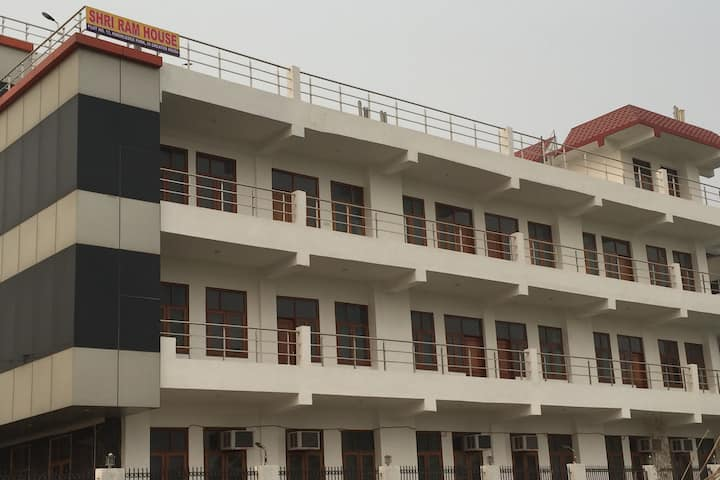 SHRI RAM HOUSE GREATER NOIDA