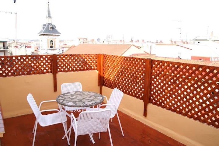 Centro. Ático.  Wifi. Piso con vistas en Logroño.