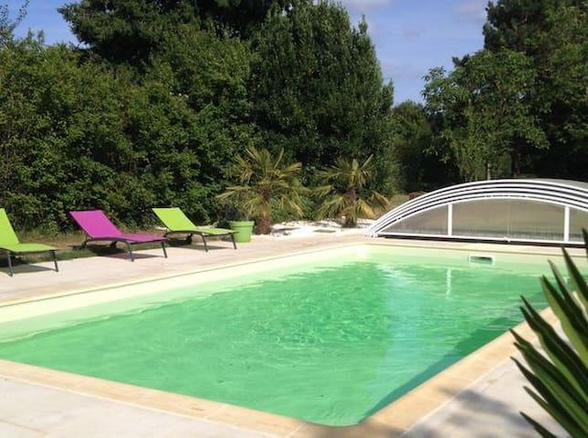 Maison architecte avec piscine près du Futuroscope - Vivonne - House